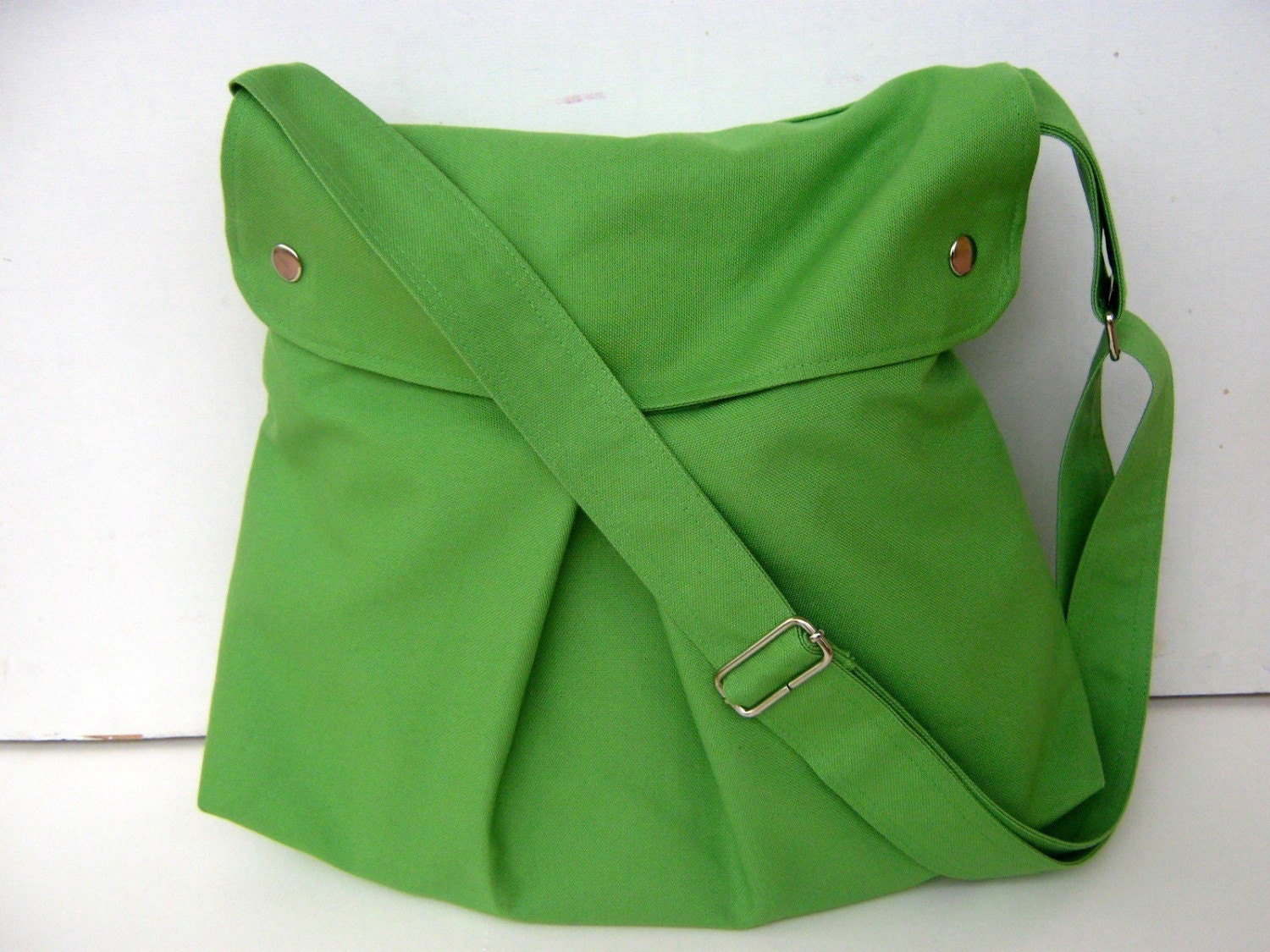 Modular Messenger in Apple Green --adjustable strap--