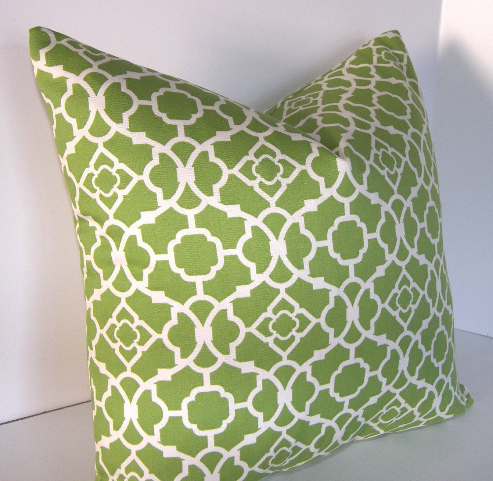 Decorative Designer - 18x18 inch pillow cover - Waverly Lattice