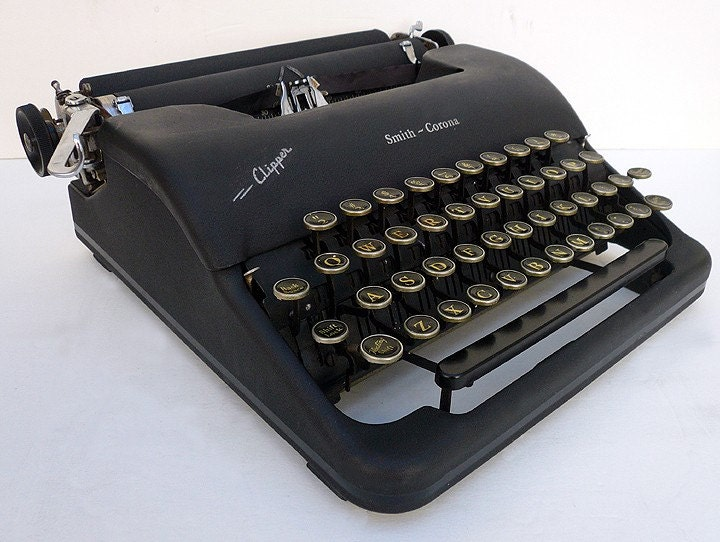 1940s FULLY  RESTORED  Corona  Manual Portable Typewriter With Case