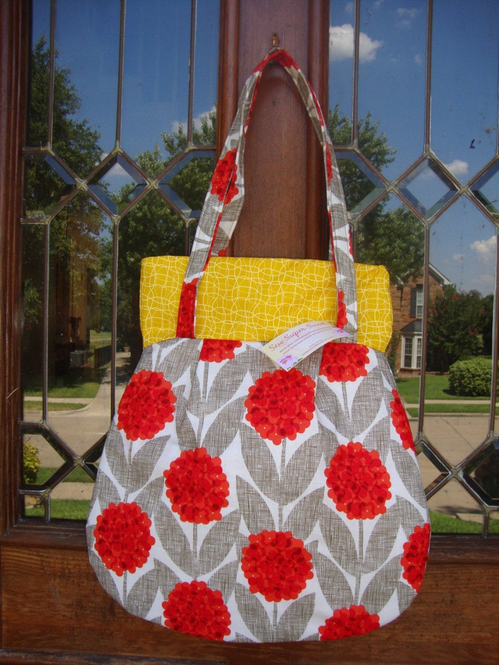 Frenchy Pattern Shoulder Bag - Red Flowers