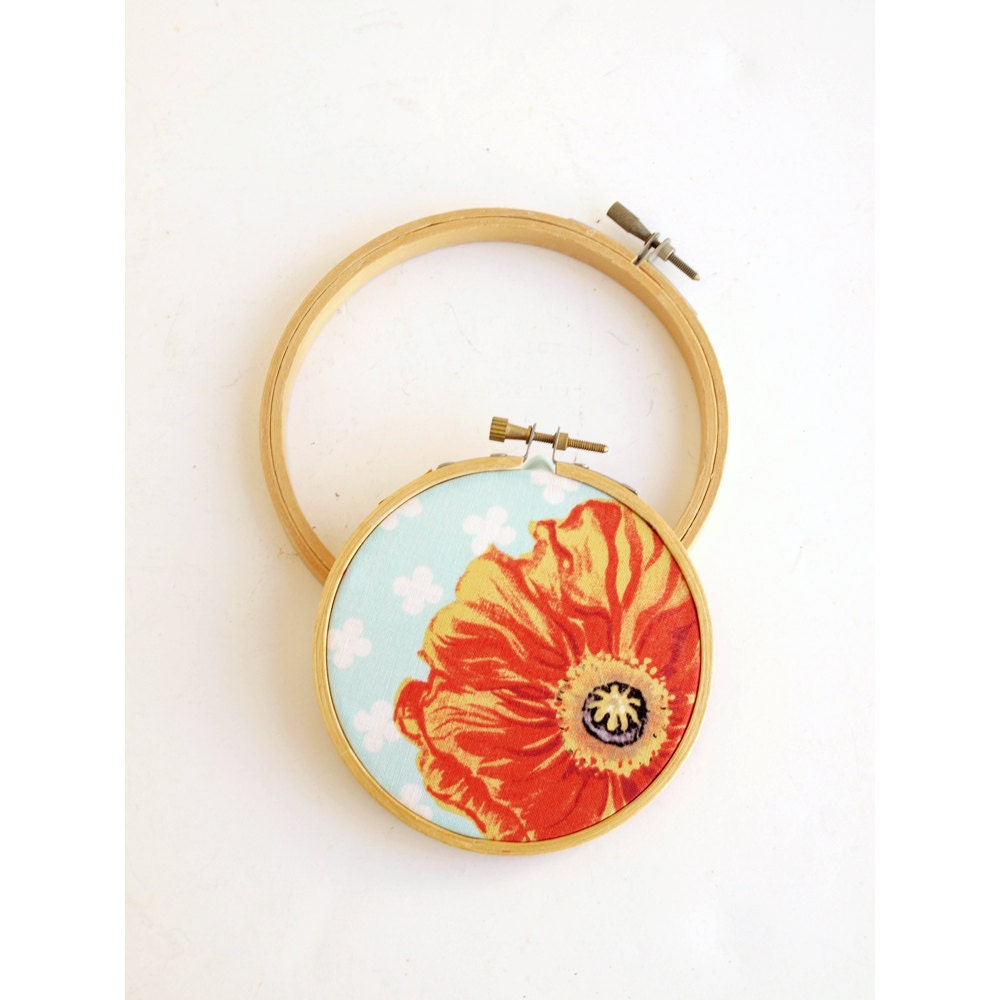 Set of vintage embroidery hoops small to by