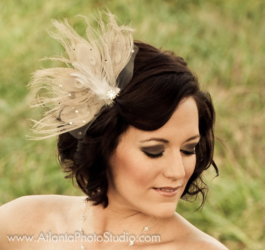 Vintage Ivory Peacock Feather Fascinator
