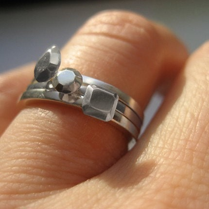 wedding rings I would get the pear shape It 39s equivalent to 1 2 carat