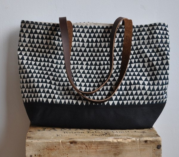 triangle large tote bag