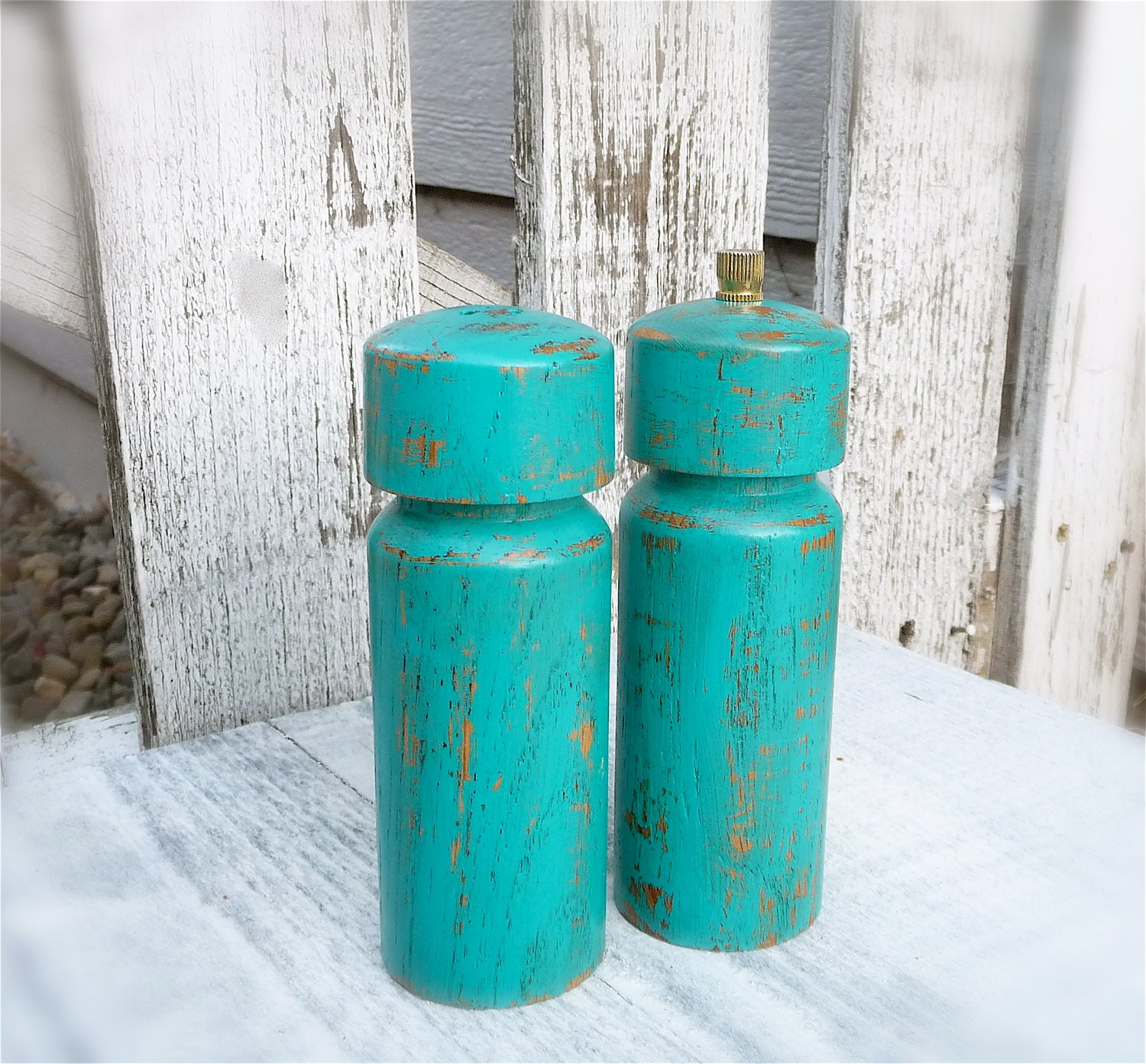 COLORFUL SHABBY CHIC Salt and Pepper Mill Set, Medium Size in Bright Teal / Turquoise
