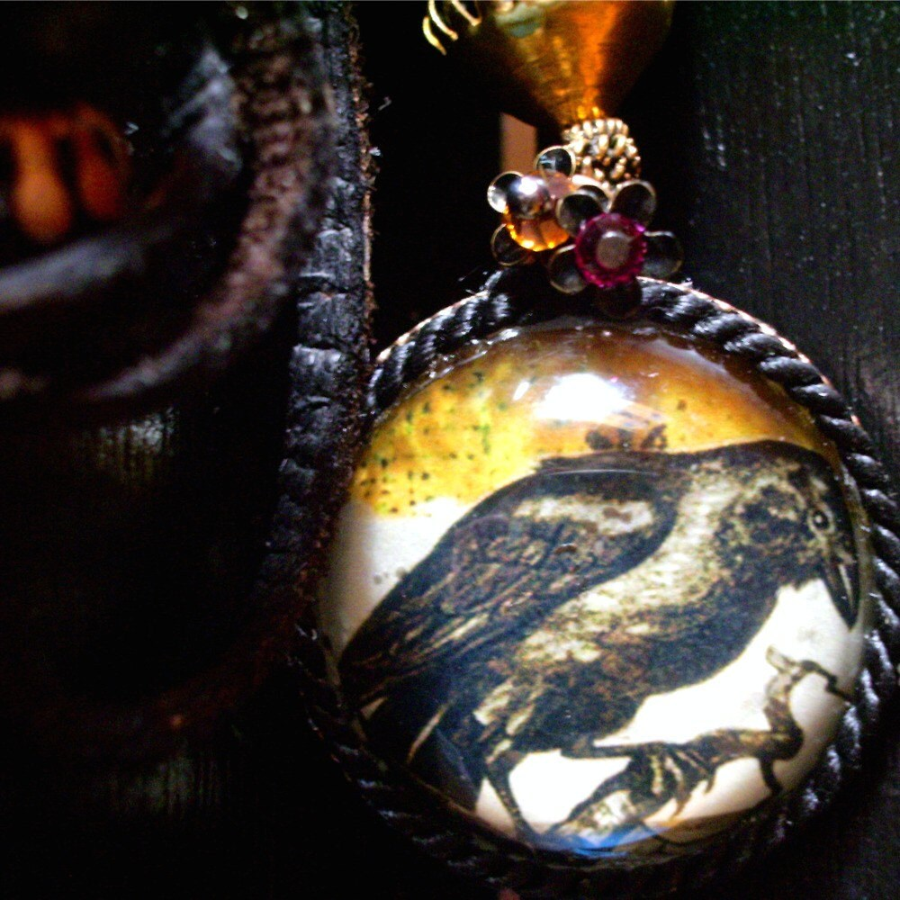 The Raven pendant necklace