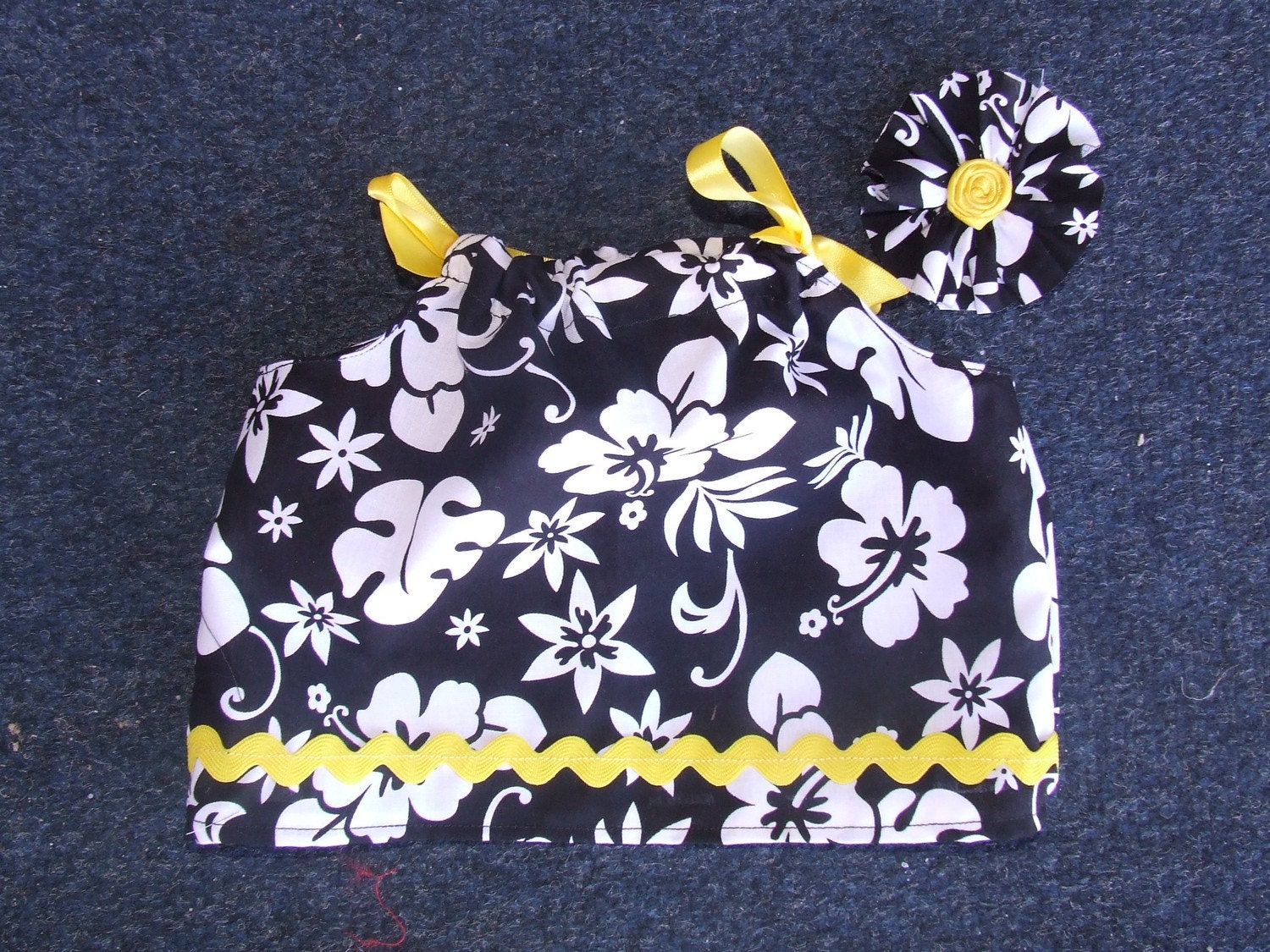 Black, white and yellow girls shirt 3 to 6 months