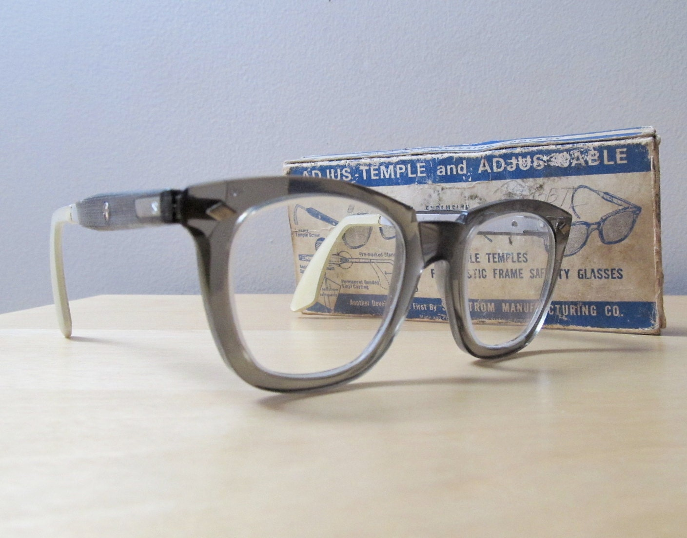 Vintage sellstrom safety glasses super chic geek by ionesattic