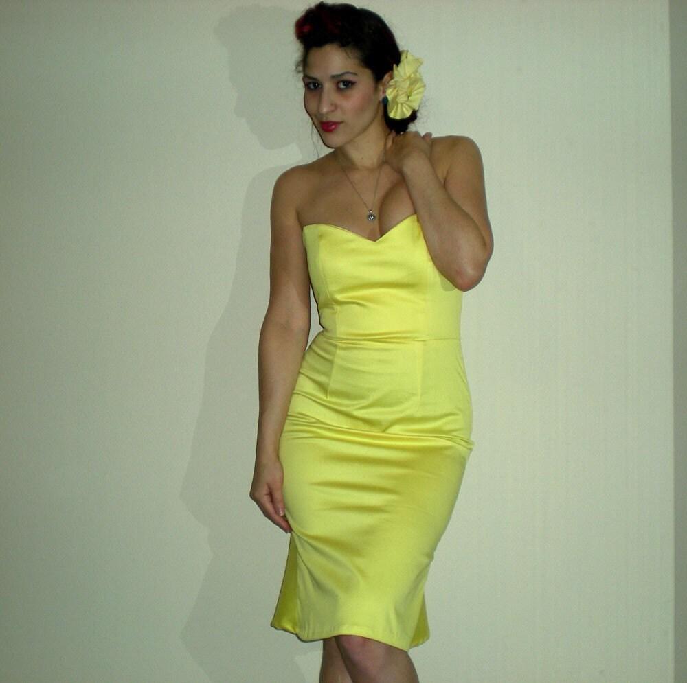 Hello DeeDee Dress -----------custom sized----- pick a color