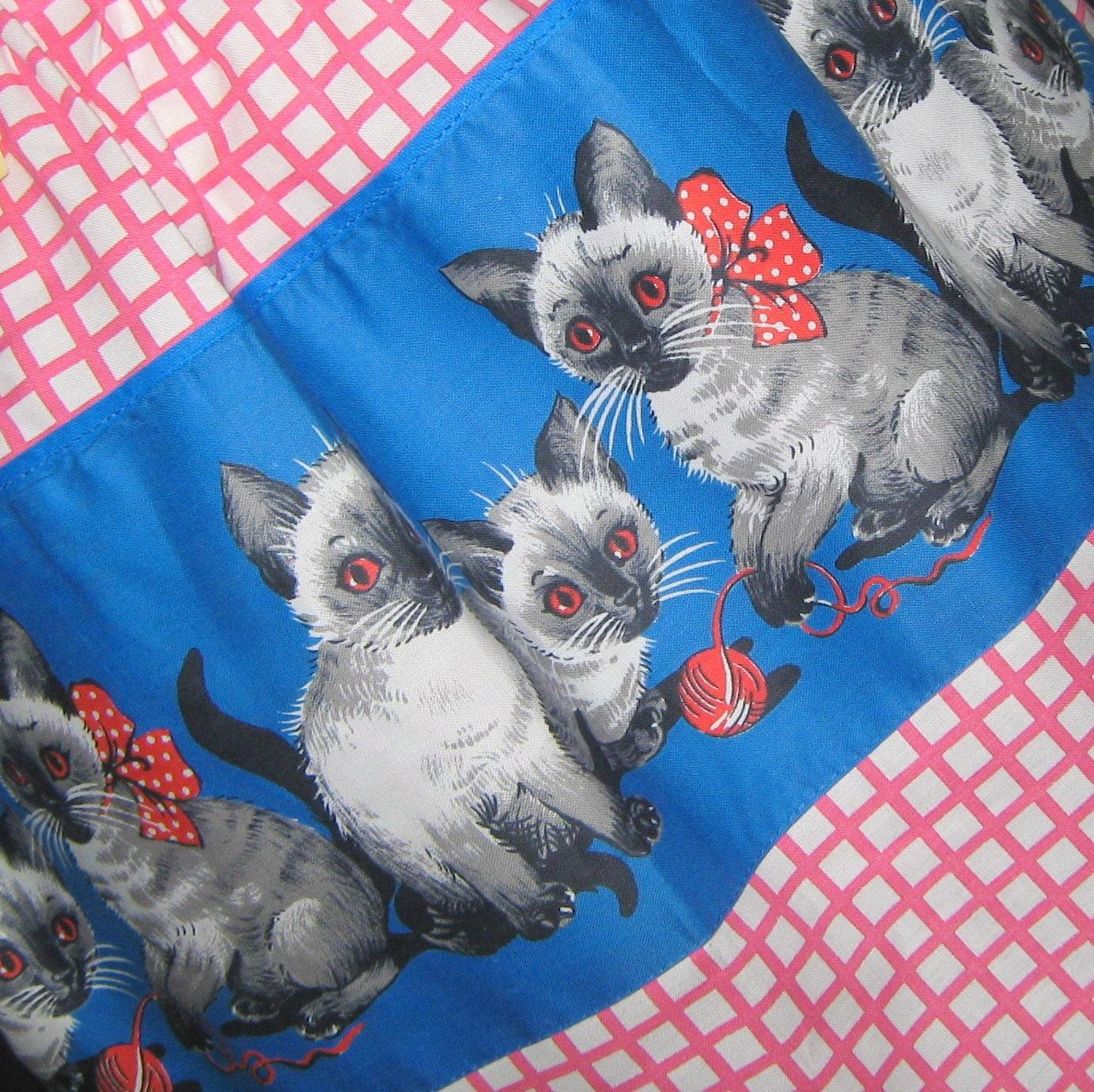 Vintage 1960s 60s Kitten Print Apron Pink White Cotton NOS Deadstock - sewingmachinegirl
