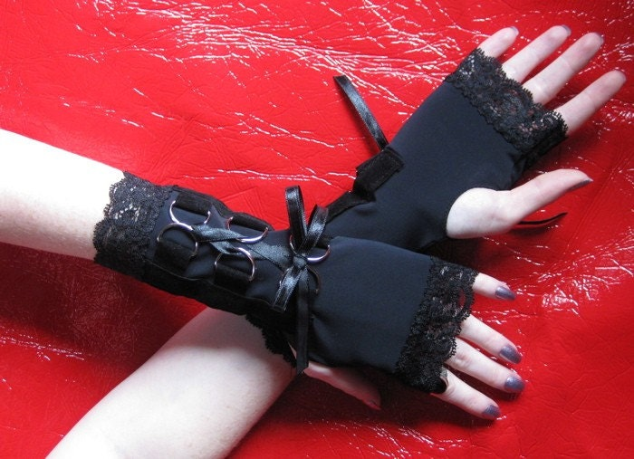 Black stretch D ring and Velvet Laced Corset thumbhole Gloves