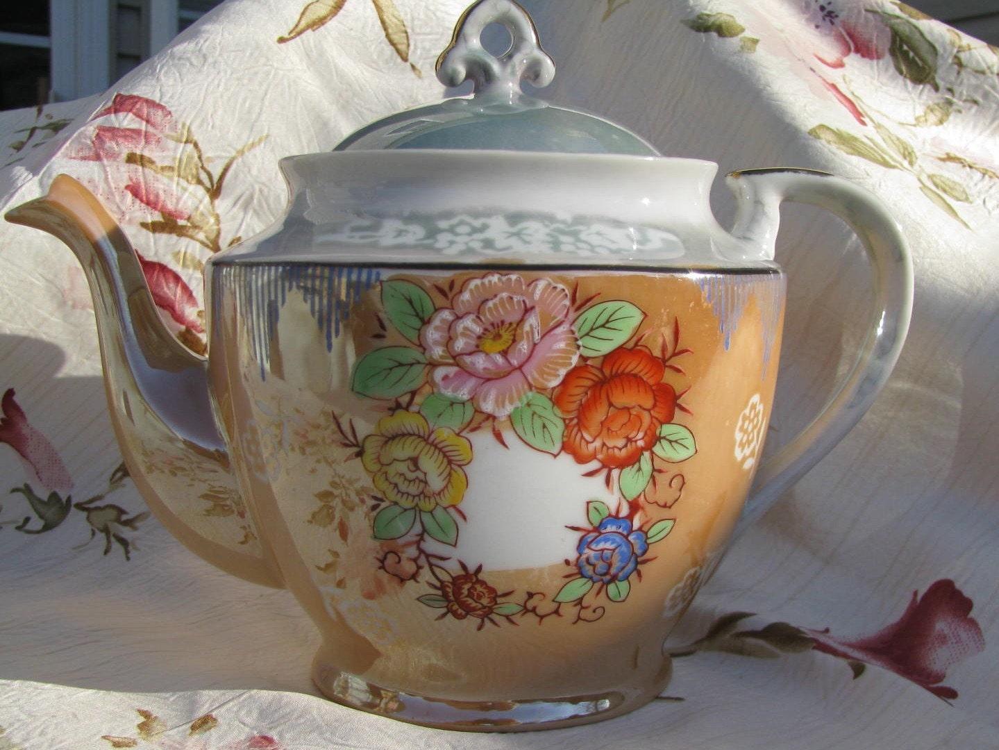 Vintage 1930's Chikaramachi Lusterware Teapot