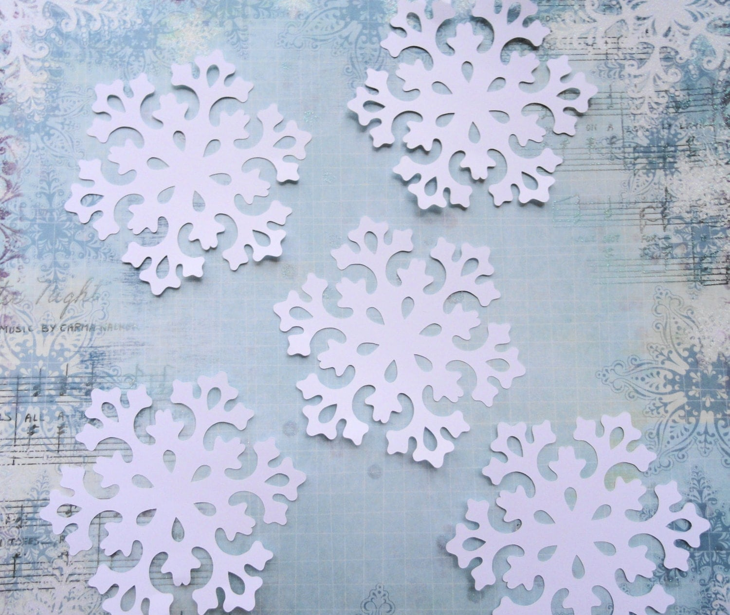 Delicate Christmas White Snowflakes  Set of 8 - LeCardShoppe