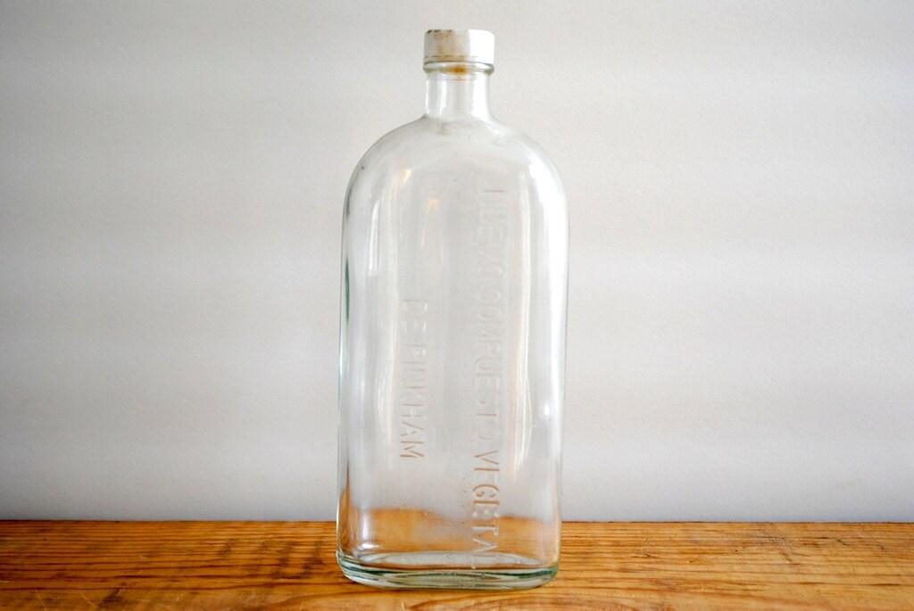 Vintage Apothecary Bottle Pinkham - labiblioteca