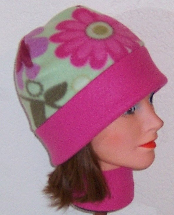 CYBER MONDAY MADNESS Green And Pink Floral Print With Pink Border Band Adult Fleece Beanie