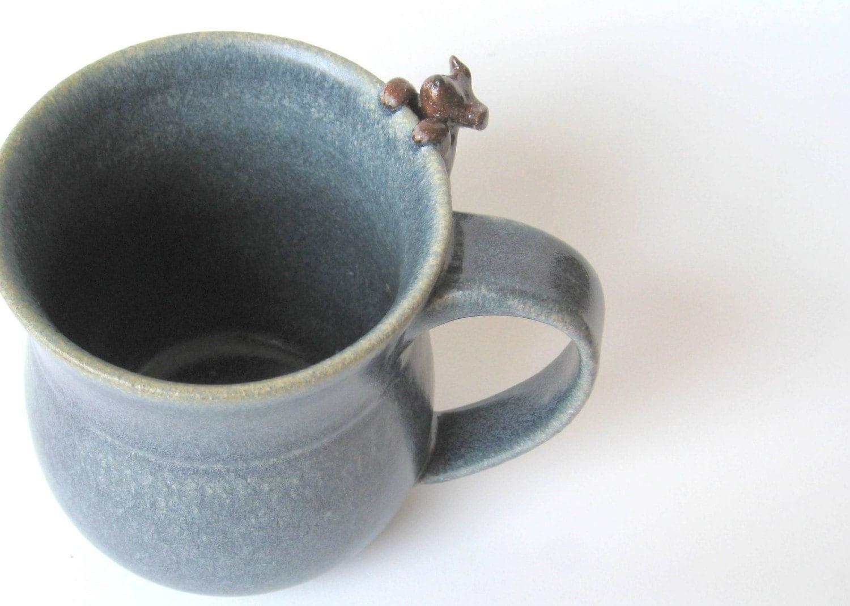Chloe mug - Blue mug with a brown dog