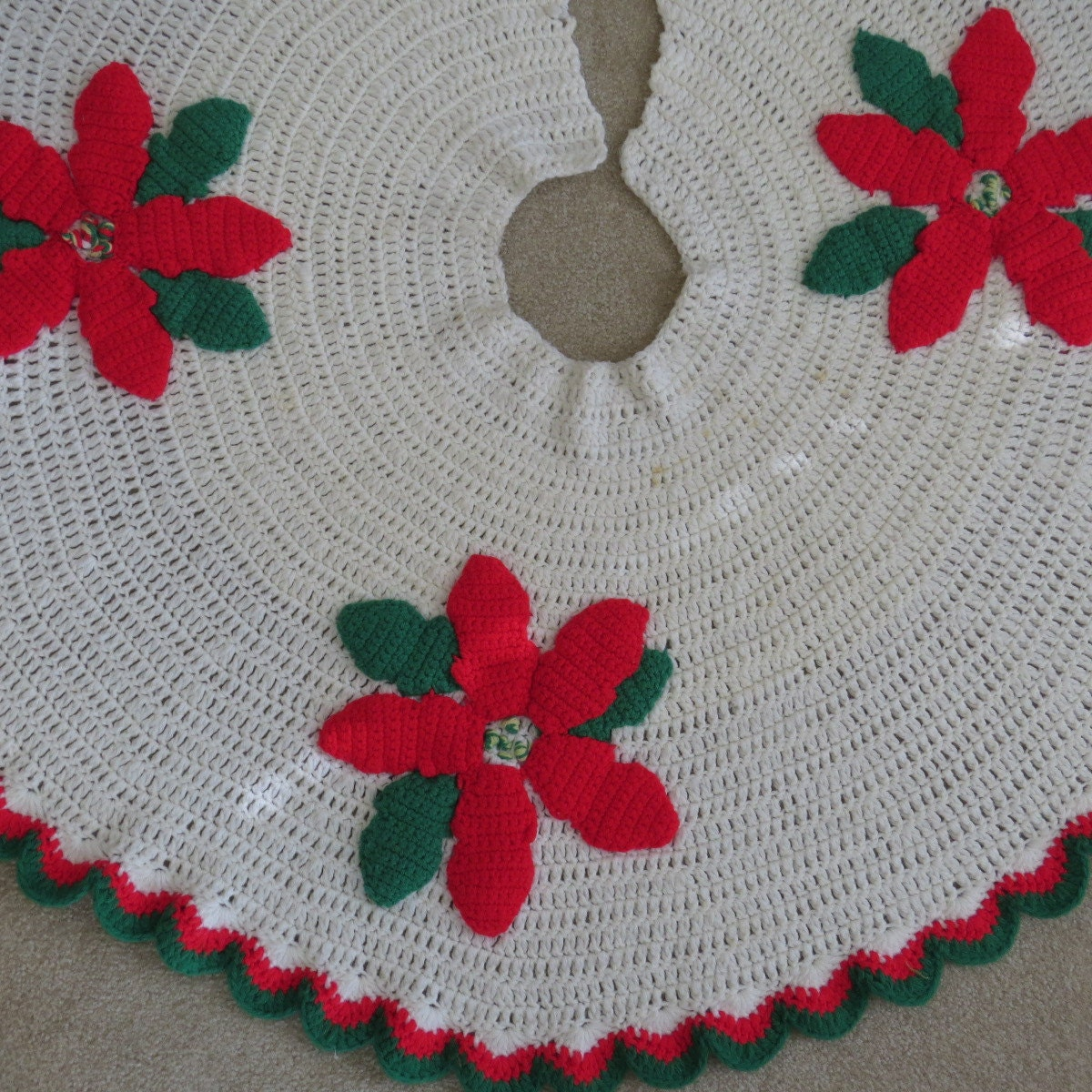 Crochet Xmas Tree Skirt : Vintage Crochet Christmas Tree Skirt - Big Red Poinsettias - Holiday ...
