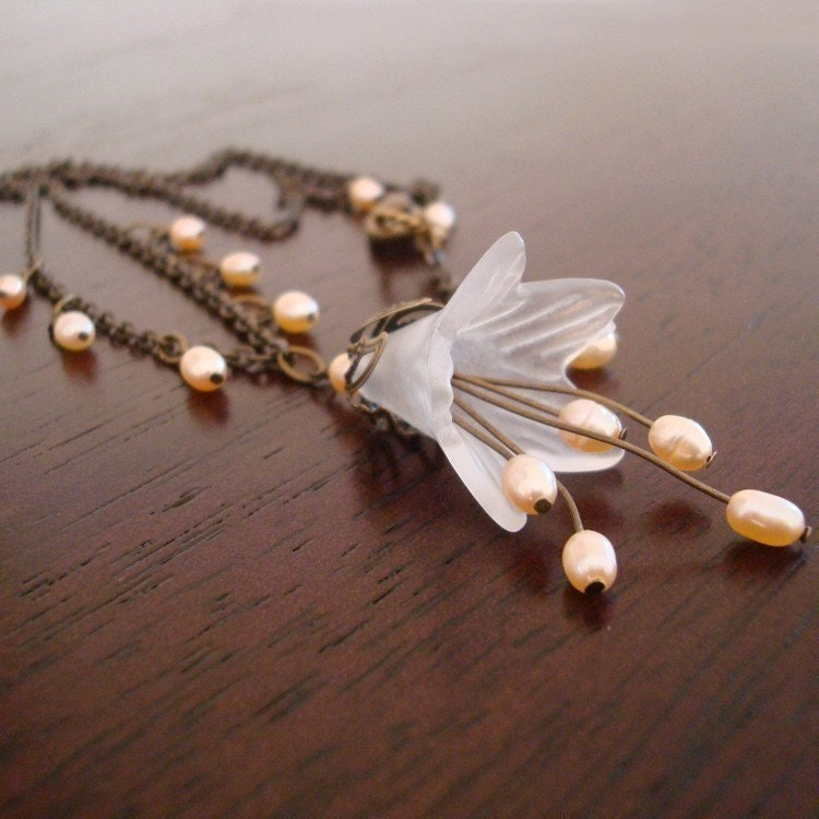 Free Shipping - Romancing Necklace