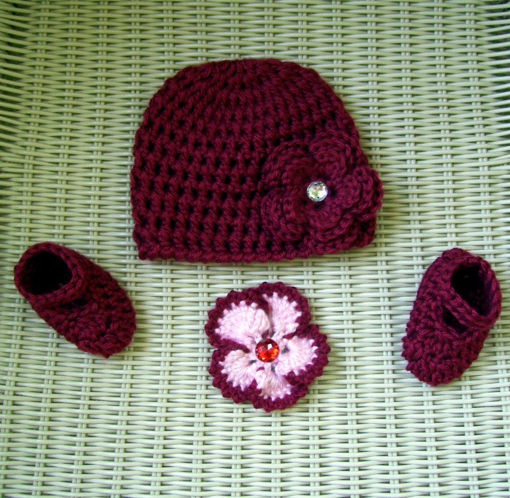 RESERVED for MOMADONNAS  - Crocheted Hat & Mary Janes Red- Interchangeable Flowers Newborn Girl