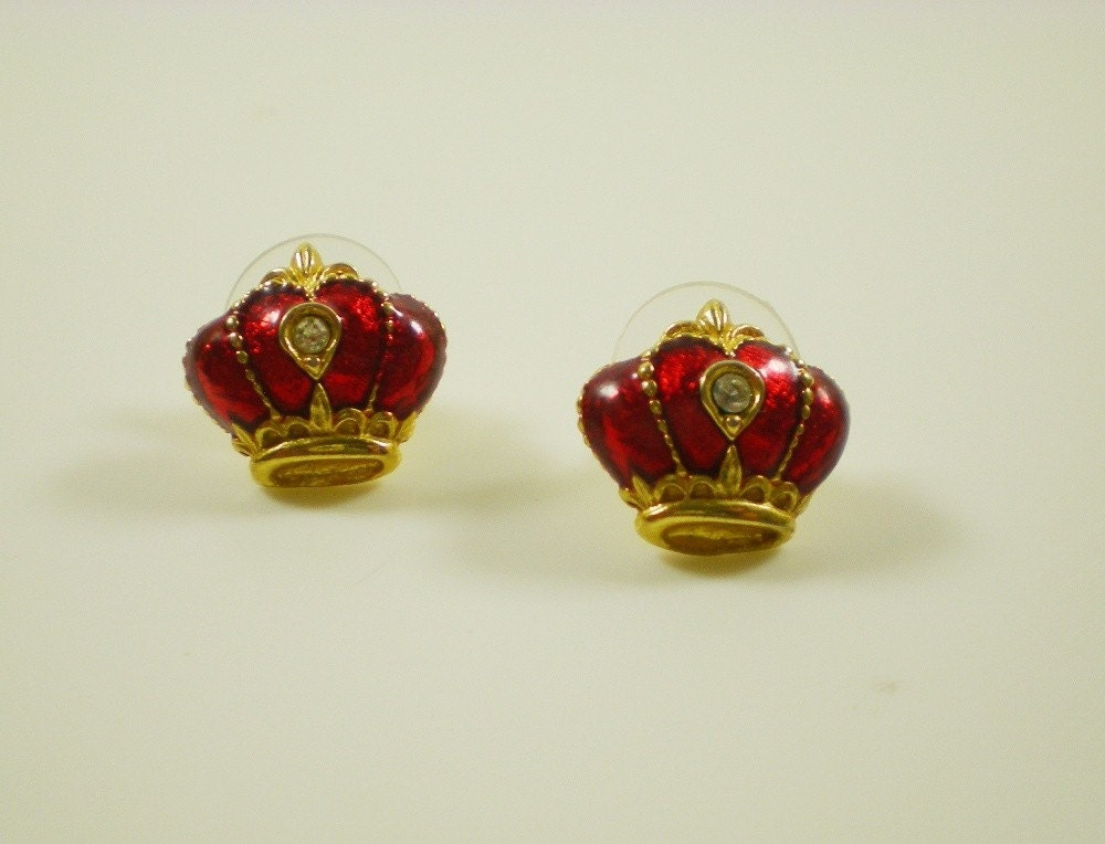 Vintage Tiny Avon Gold Tone And Red Enamel Crown by antiquorama from etsy.com