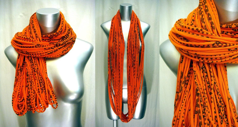 necklush ultra - orange with print