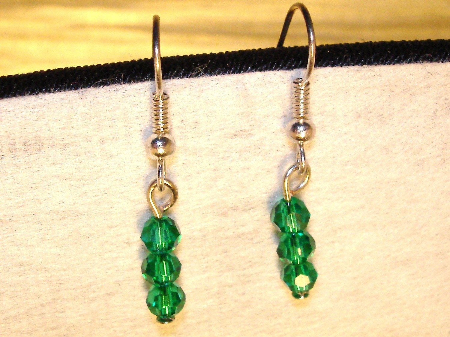 Her beautiful jade eyes say I love you (Jade dangle earrings)