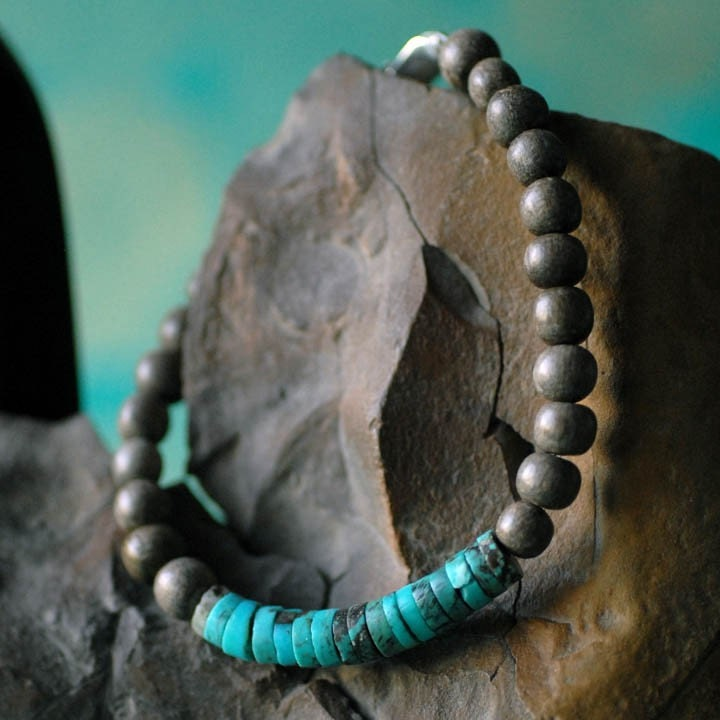 Turquoise heishi and gray wood bracelet