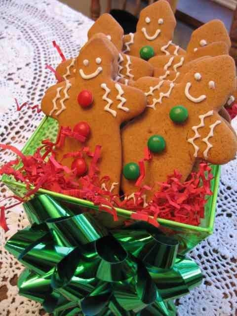 Gingerbread Men Cookies (Free Shipping)