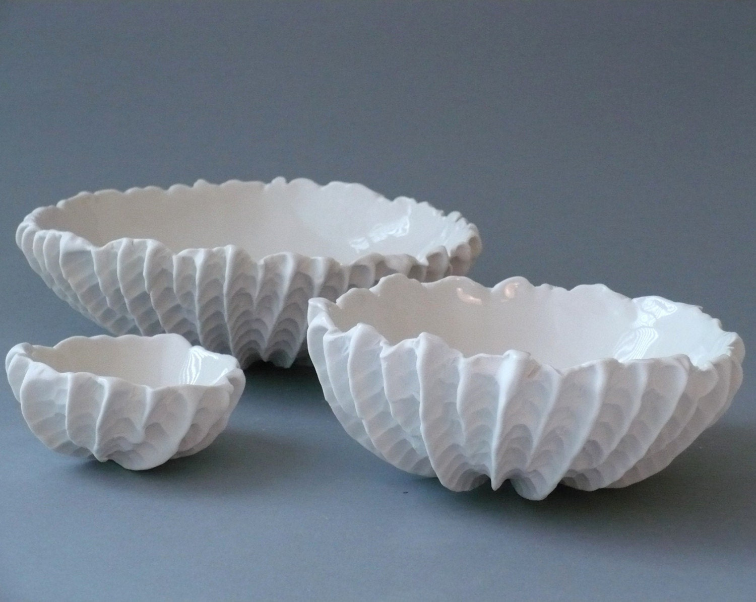 Set of 3 Nesting Scallop Bowls