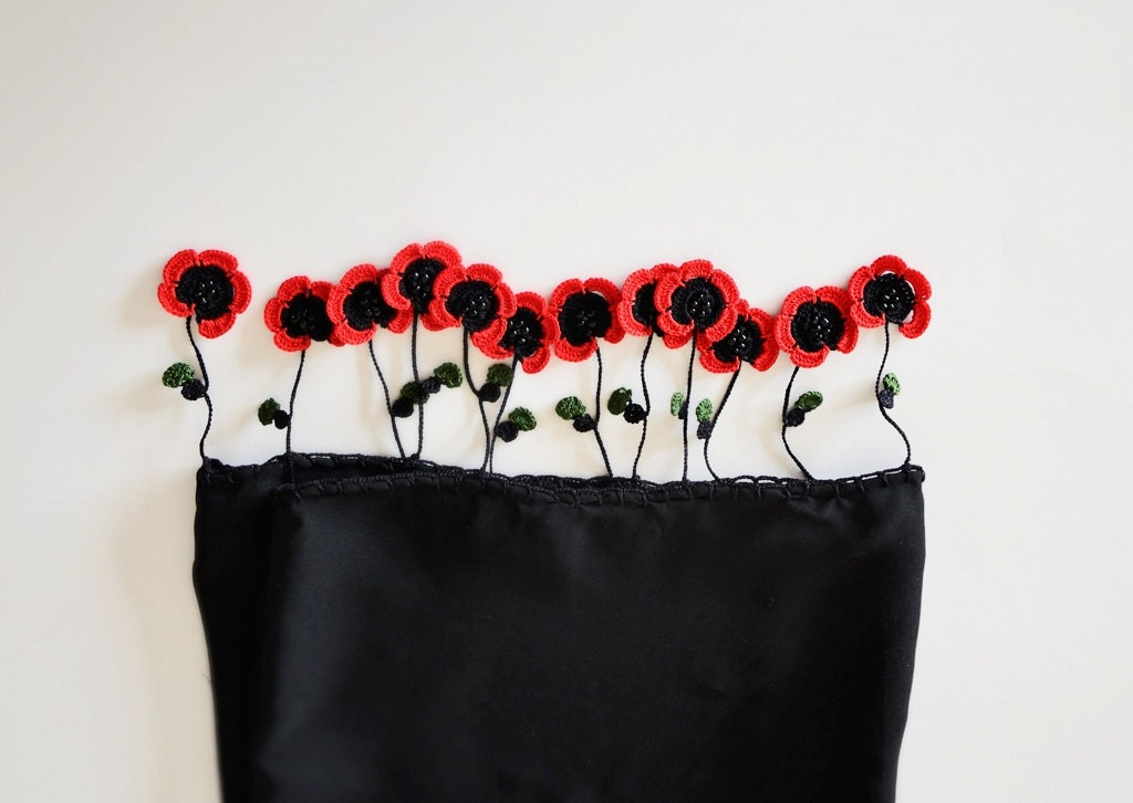 Red Poppies on the Tube Shaped Black Scarf, Crochet Red Poppies