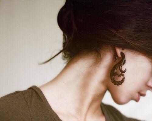 Organic Wooden Earrings -  Nadira Curls Brown