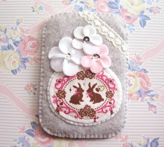 Romance Rabbit Rose Garden Camera iphone Gadget Case