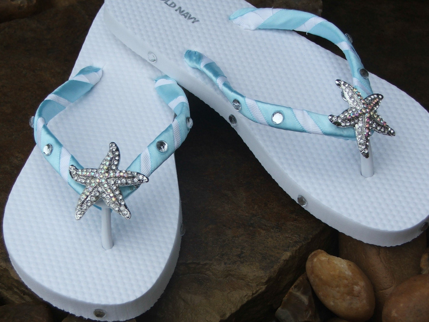 Adorable rhinestone starfish boutique flip flops