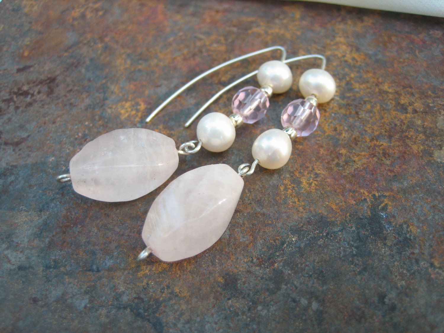 Pink pearls - Rose quatz and pearl earrings