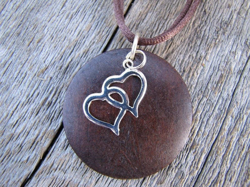 Double heart wood necklace
