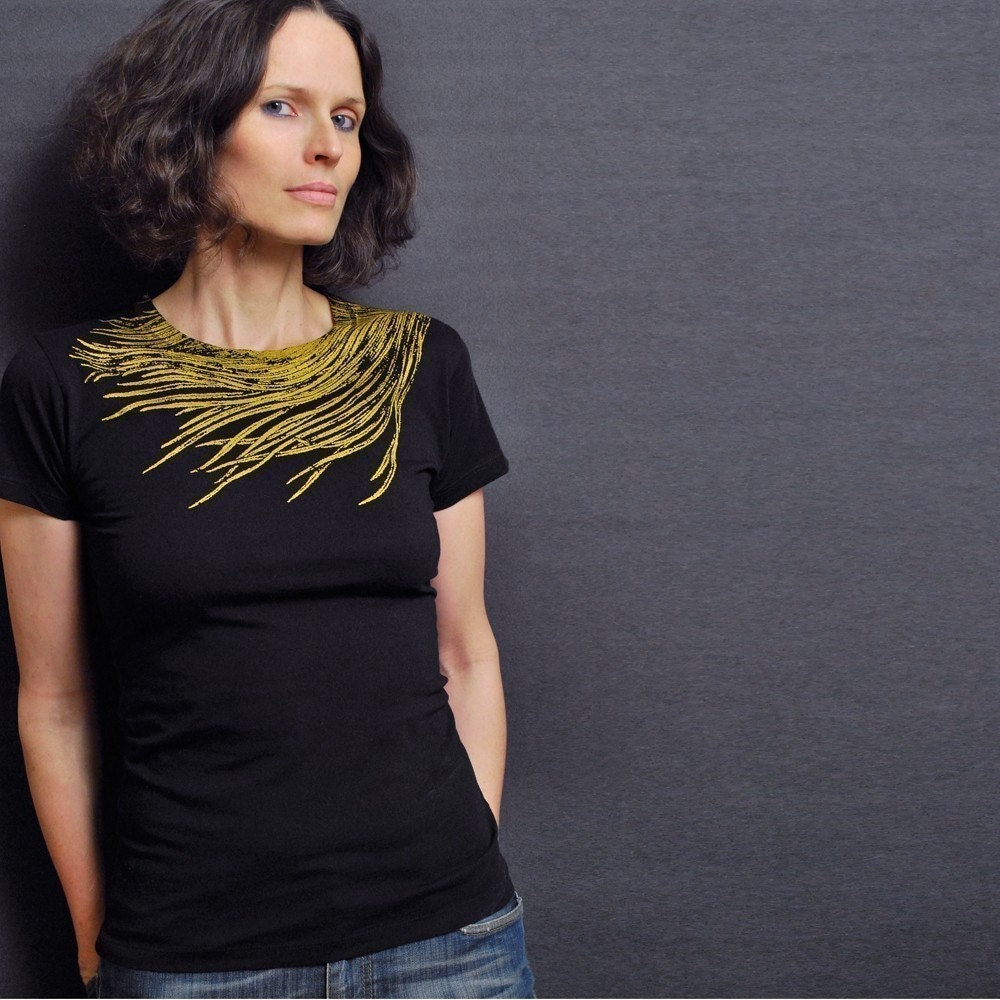 Black Crew Neck T-shirt - Gold Feather