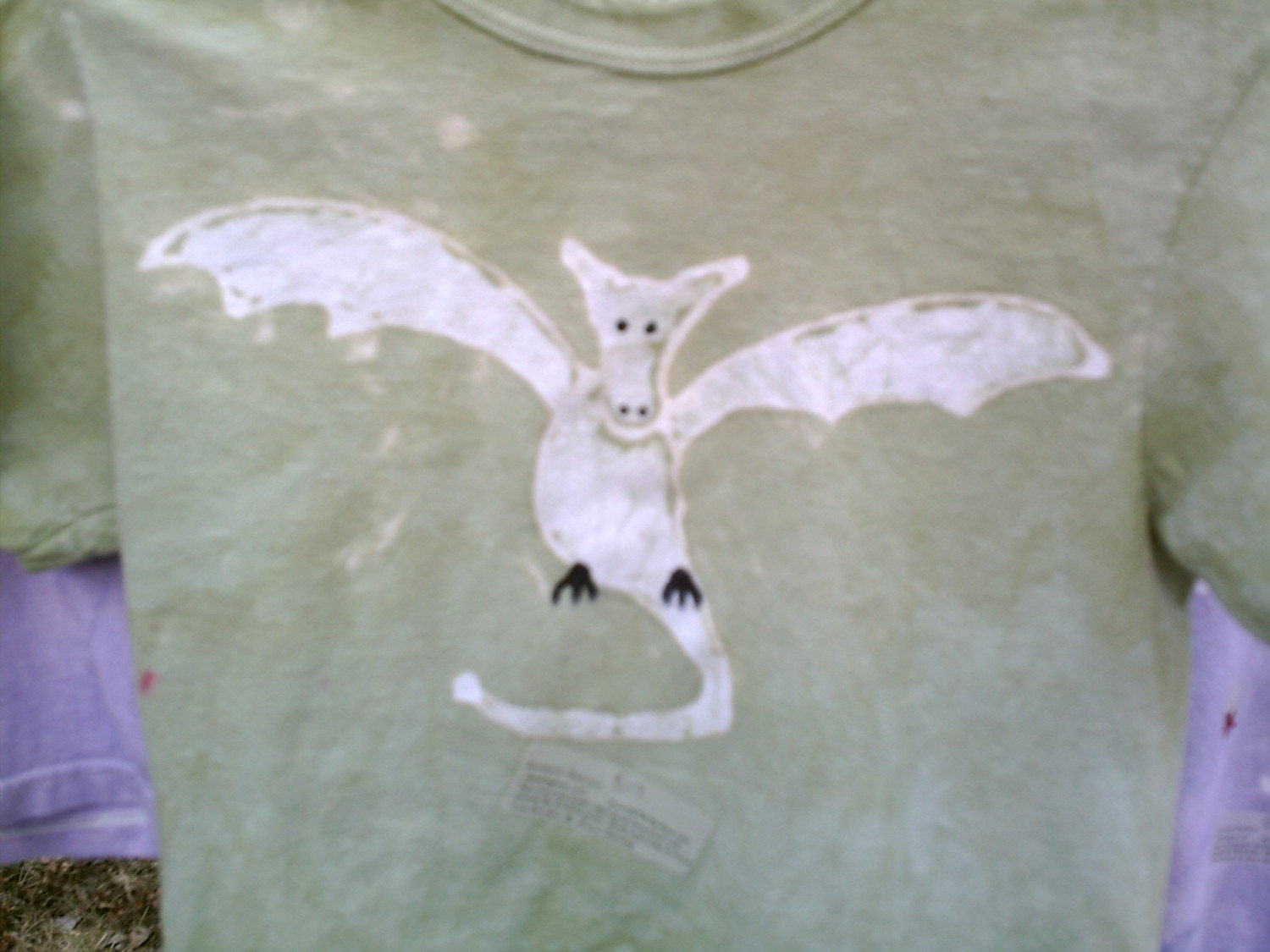 earth green batik FLYING DRAGON tshirt youth medium