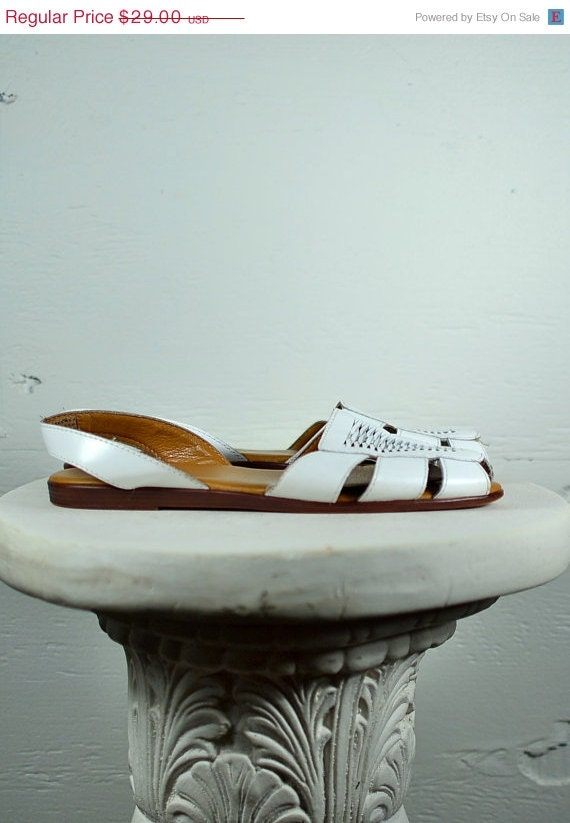 35% Off // Moving Sale // 1990s White Huarache Sandals // 7 1/2