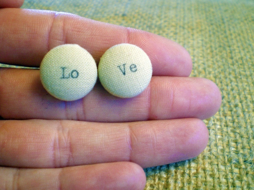 Customizable Love button stud earrings