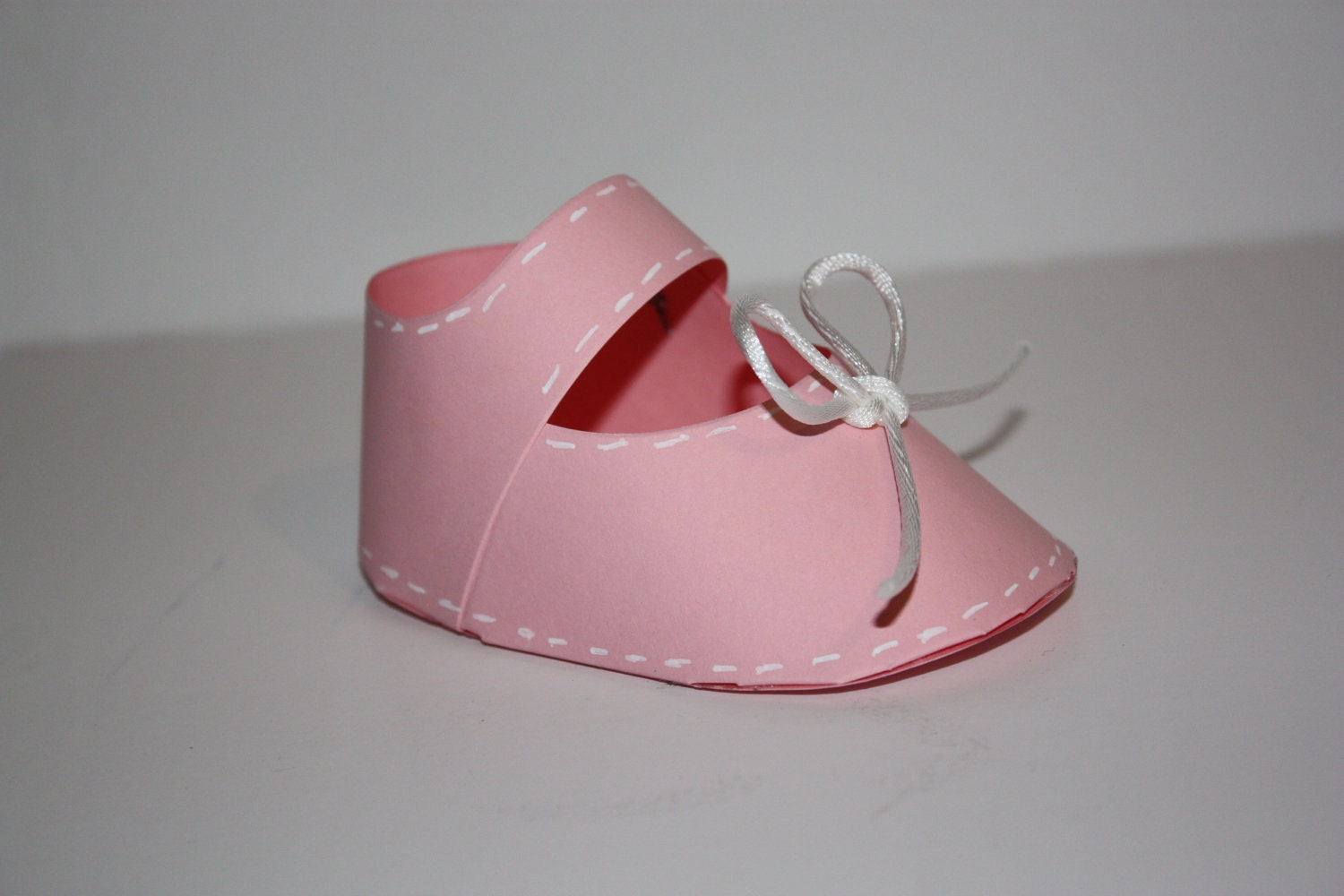 DIY 3d baby shoe favor box