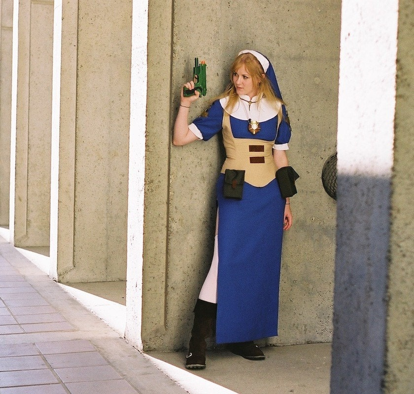 Halloween Costume Cosplay Sexy Nun with a Gun