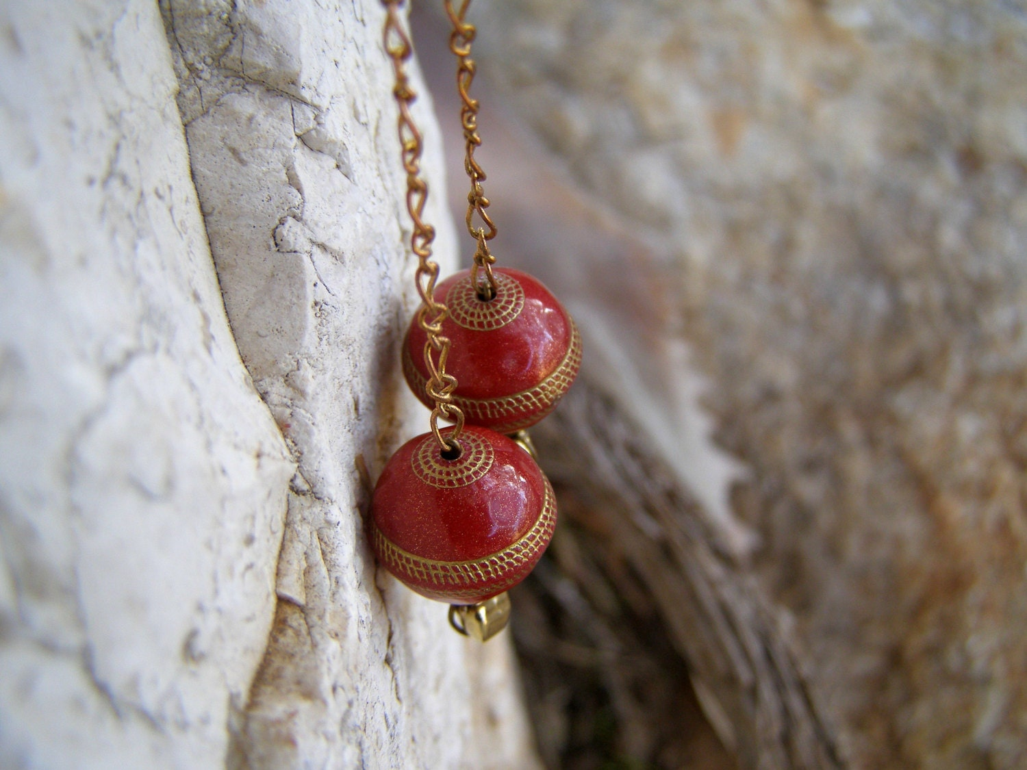 Cranberry Red Gold Round Lucite Beads Dangle earrings, Retro Modern long Earrings, trendy Jewelry, Boho fashion accessories, Casual, Elegant - MoreThanPrettyThings