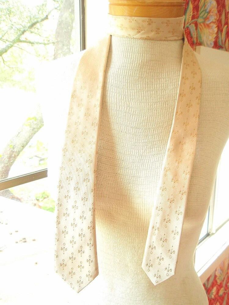 Skinny Groom - a vintage 1980's Silk Necktie