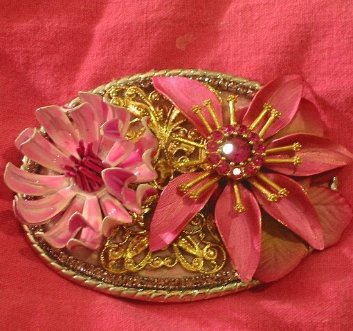 Indie Vintage Collage Pink Flower Altered Art Bling Belt Buckle Pink Weiss Brooch