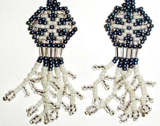 Native American Beaded Earrings (Snow Flakes)