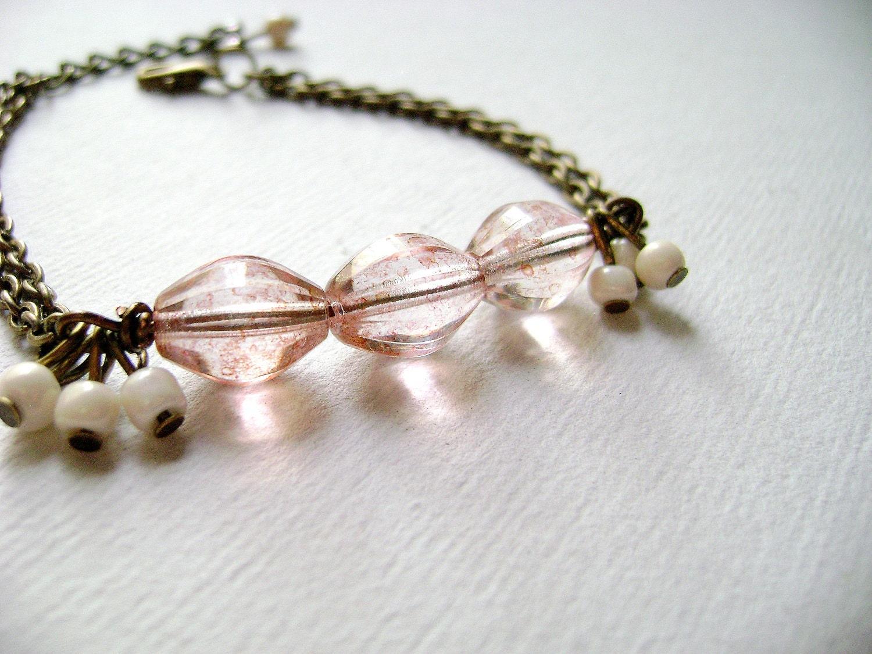 Charisma - delicate feminine vintage inspired soft pink bracelet - DivinaLocura