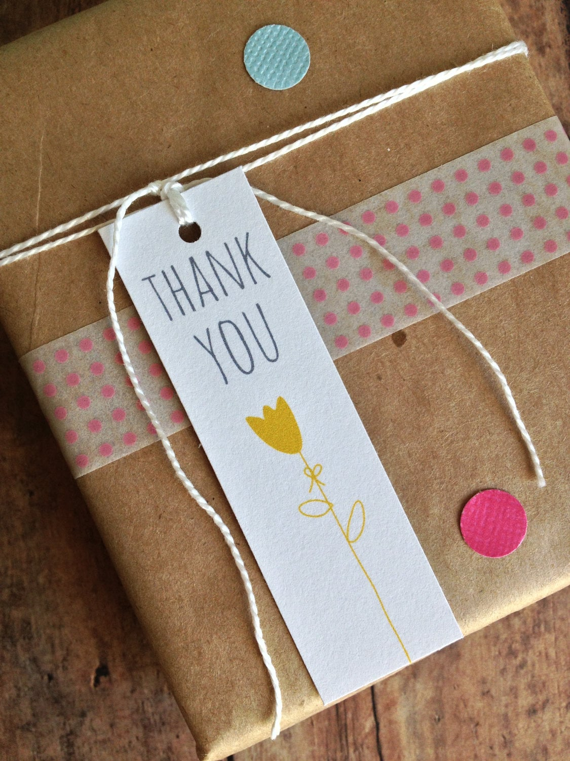 Thank you tag - gift tag - party favor tag - tulip flower tag- packaging supplies - bridal shower favor tags