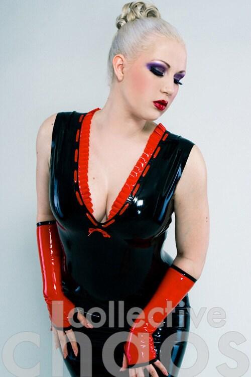 Latex Ruffle-Me Vestido