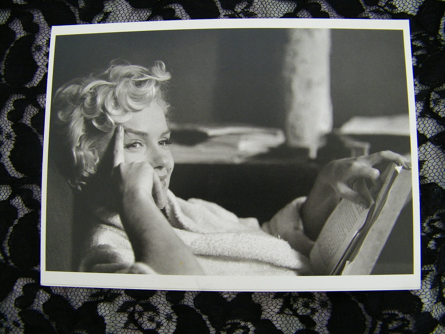 FREE SHIPPING Vintage 1980s Black & White Marilyn Monroe Plain Greeting Card Printed in France - xocream