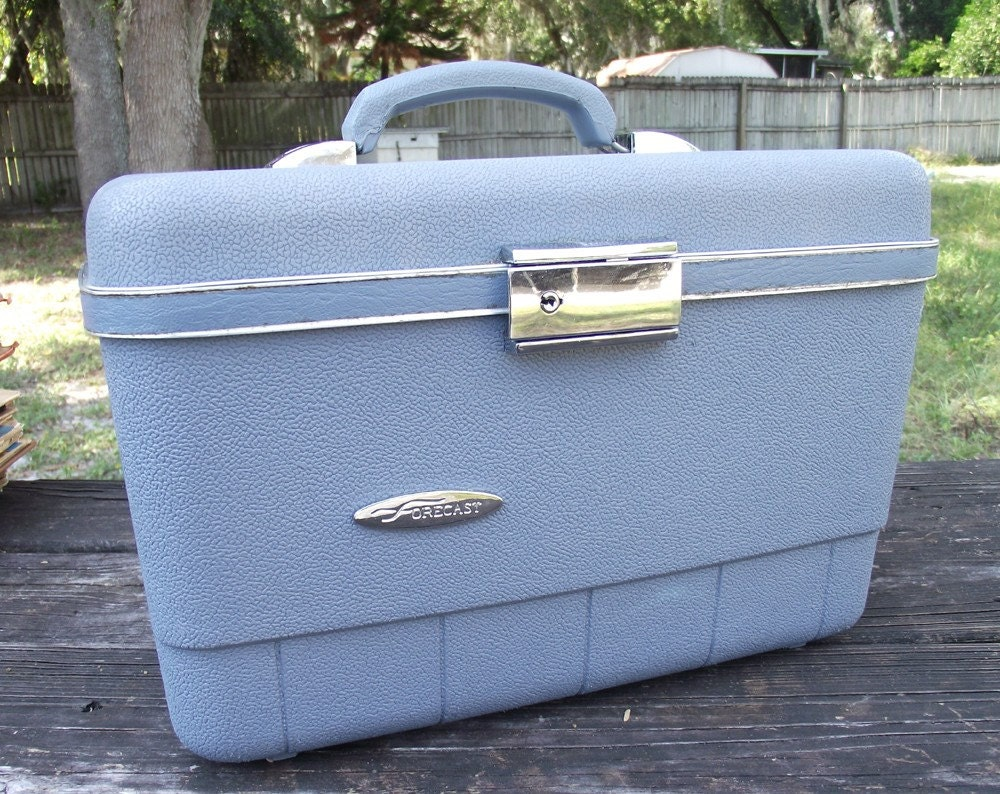 Vintage Forcast Train Case